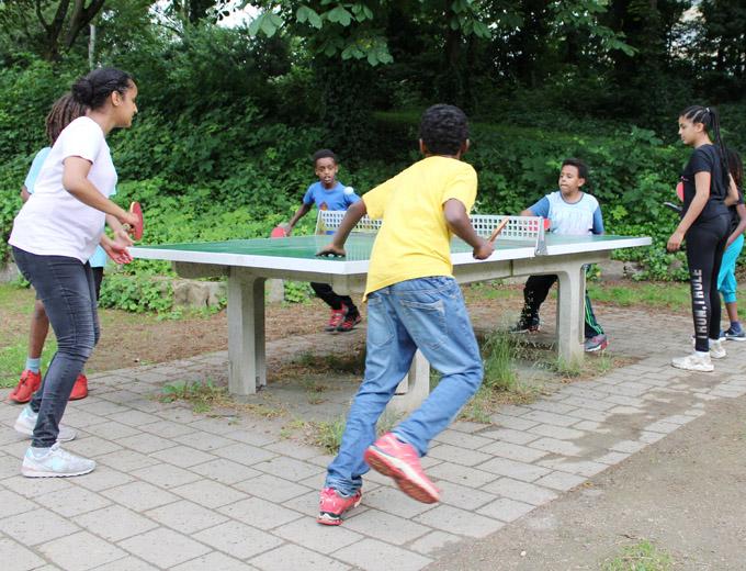 """Je mehr Teilnehmer, desto besser: """"Tischtennis"""" im Rundlauf..."""