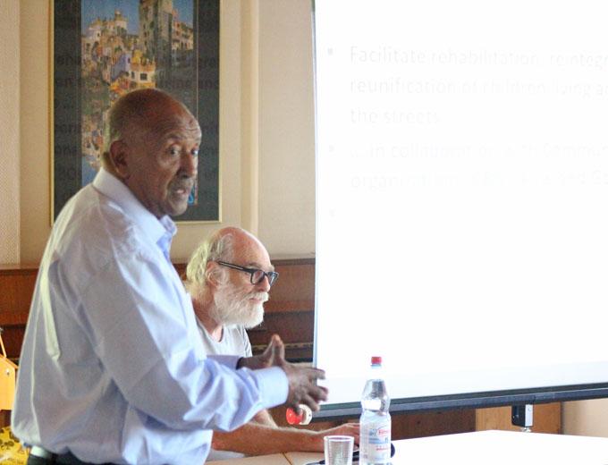 ...Ato Abdulkarim von der Partner-NGO »Facilitator for Change« in Jimma/ Äthiopien.