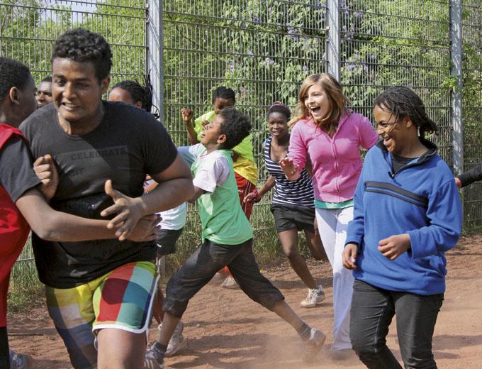 Kinder- und Jugendfreizeit 2011 in Altleiningen (Brennballspiel)
