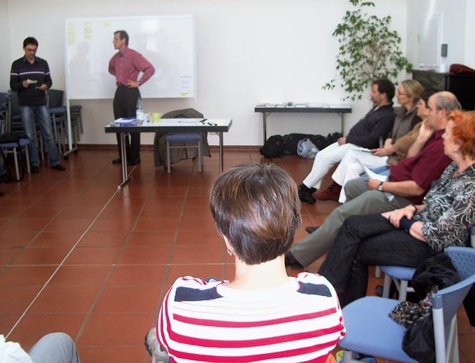 Workshop für Adoptionseltern 2009 in Kassel. Thema: »Herausforderungen bewältigen – Deeskalation und Stressbewältigung«